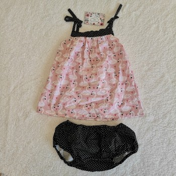 "Ensemble robe + culotte cache-couche ""cygnes"" 6 mois"